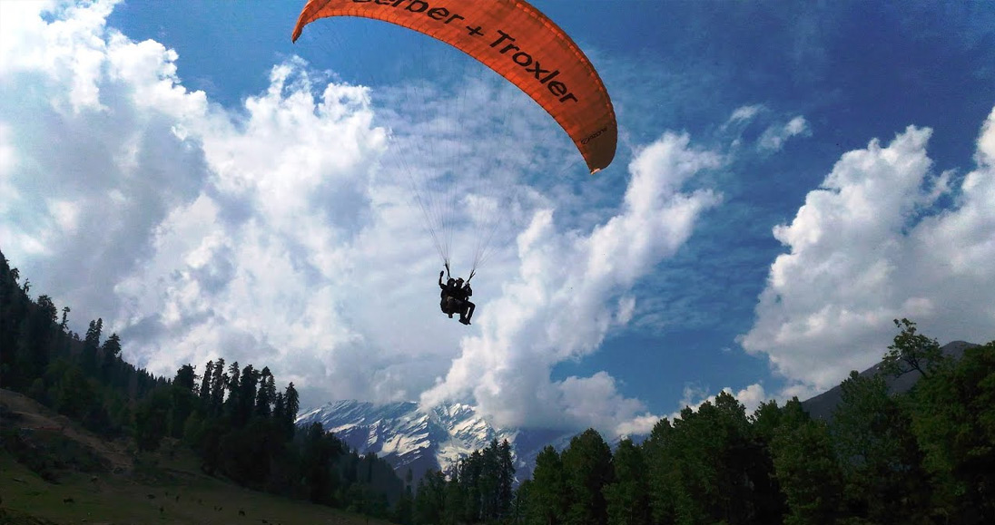 Paragliding in Manali, Solang Valley